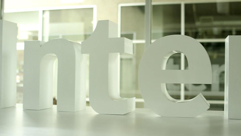 Mindy O'Gara introduz a Coleção Near & Far.  -