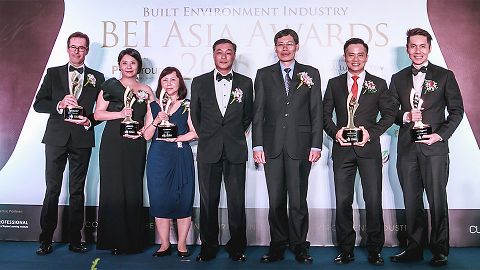 Rob Coombs representing - Interface Asia, alongside other award winners - Lendlease Group and StarHub. Photo Credits - BEI Asia Awards 2016