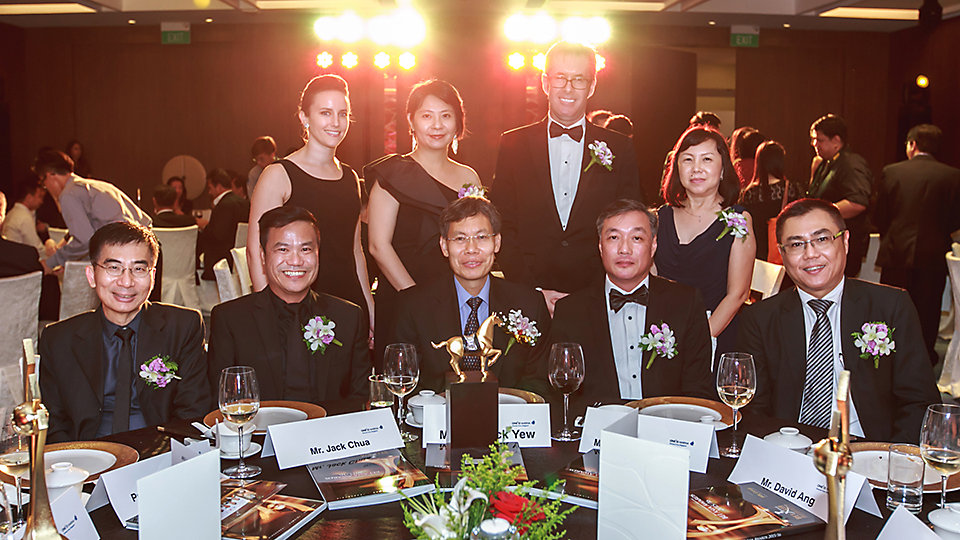 Interface Asia Pacific CEO and President with guest-of-honor, Lui Tuck Yew, and distinguished guests. Photo Credits - BEI Asia Awards 2016