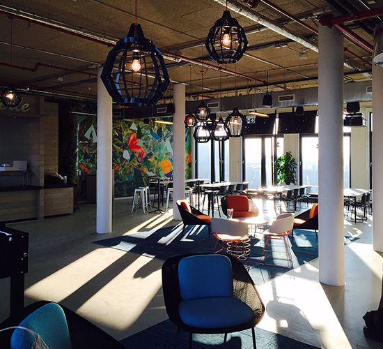 Die Facebook-Zentrale – ausgestattet mit unserer Kollektion Net Effect One & Two.