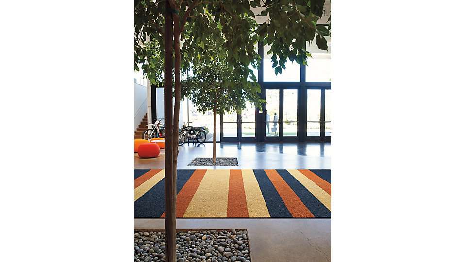 <b>Collection</b> Human Nature &nbsp;&nbsp;<b>Product</b> HN830 &nbsp;&nbsp;<b>Colors</b> 104238 Maize, 104240 Cobalt, 104241 Clementine &nbsp;&nbsp;<b>Installed</b> Pattern by Tile