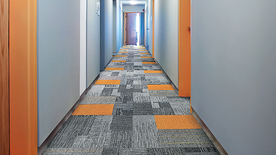 <b>Product</b> Verticals &nbsp;&nbsp;<b>Colour</b> 104009 Principal &nbsp;&nbsp;<b>Product</b> Sidetrack &nbsp;&nbsp;<b>Colour</b> 104261 Battleship/Track &nbsp;&nbsp;<b>Product</b> Viva Colores &nbsp;&nbsp;<b>Colour</b> 101164 Naranja