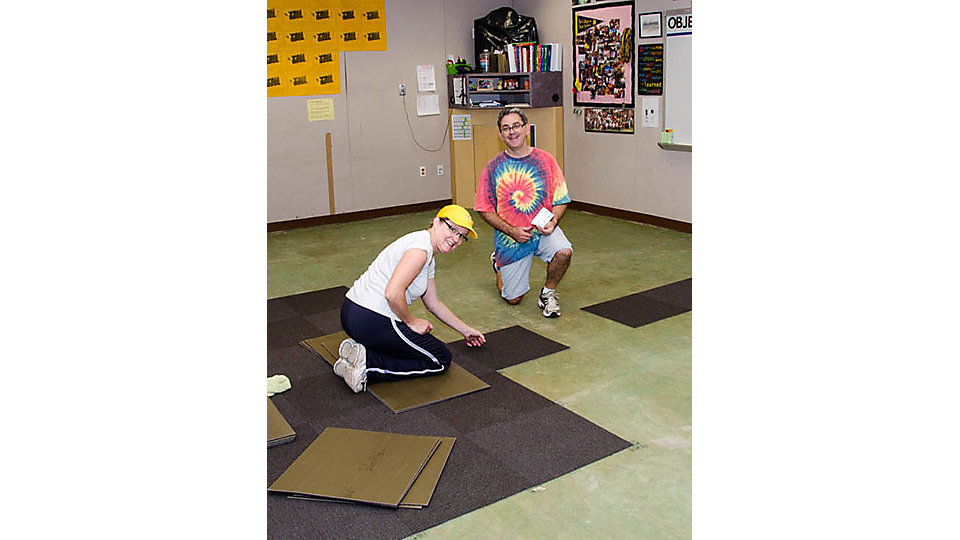 The Interface team in Arizona partnered with IIDA to replace carpet in two classrooms at Morris K Udall Middle School.