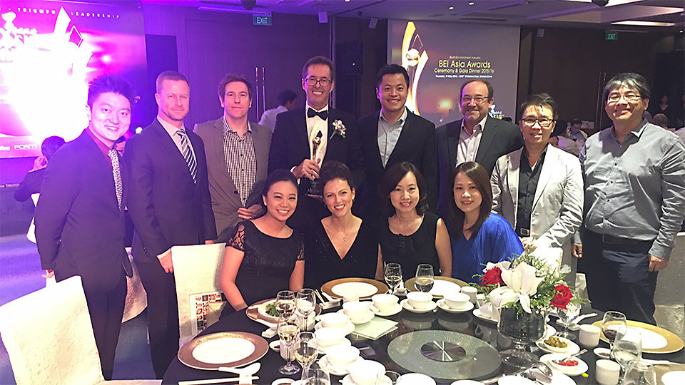 Interface Singapore and delear partners Contrac image at the 2016 BEI Asia Awards alongside distinguished guests. Photo Credits - BEI Asia Awards 2016