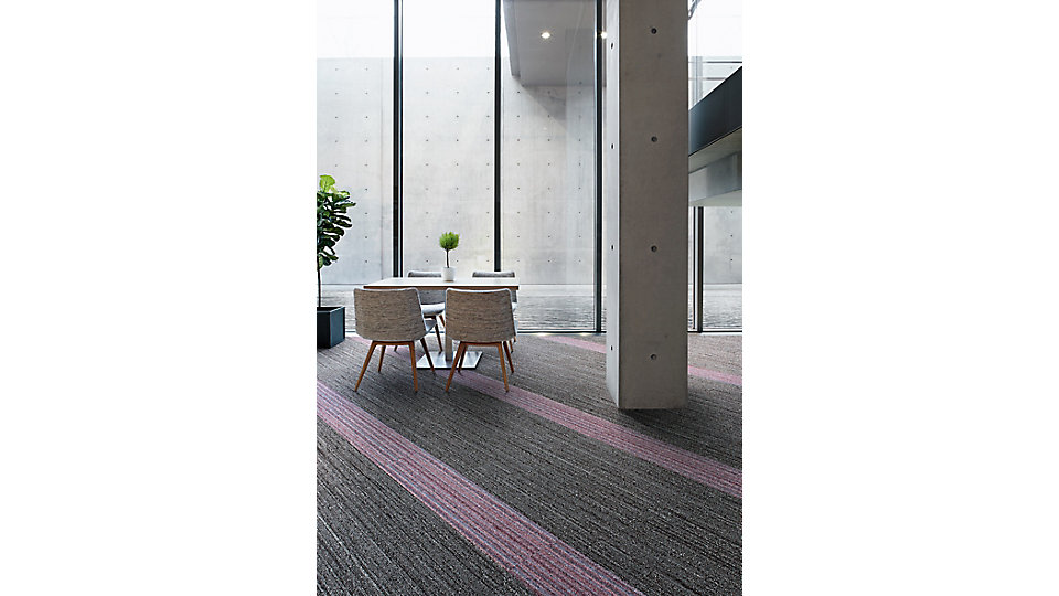 <b>WW880</b>  Brown Loom  <b>WW895</b>  Fuchsia Warp<i>  Design by Tile</i>