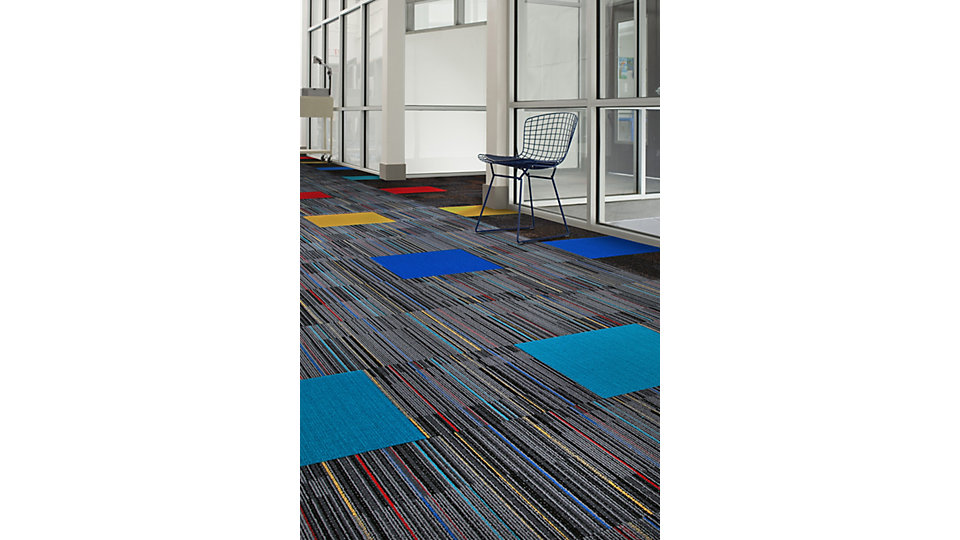 <b>Collection</b> Klass Rooms &nbsp;&nbsp;<b>Produit</b> Student Council &nbsp;&nbsp;<b>Couleur</b> 178129 Imp &nbsp;&nbsp;<b>Installation</b> Brique &nbsp;&nbsp;<b>Produit d'accent</b> Viva Colores &nbsp;&nbsp;<b>Couleurs</b> 101139 Turquesa, 101143 Ceruleo, 101124 Amarillo, 101160 Rojo